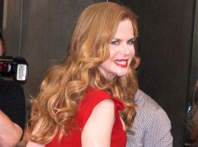 Nicole-Kidman-la-flamboyante-actrice-est-devenue-aussi-blonde-que-Paris-Hilton-!_portrait_w674