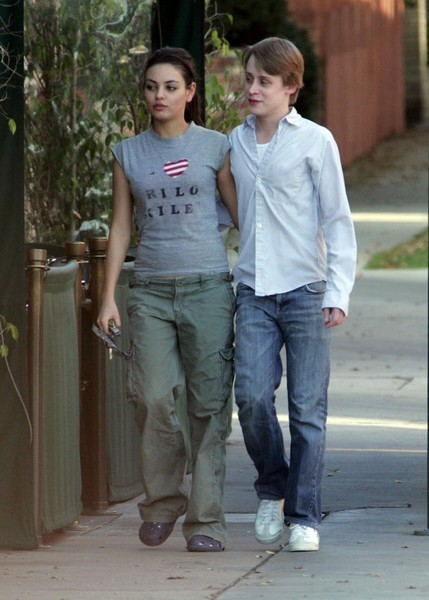 macaulay culkin mila kunis - photo #6