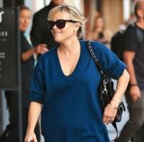 Photos : Reese Witherspoon : une maman aux anges qui affiche un généreux décolleté !