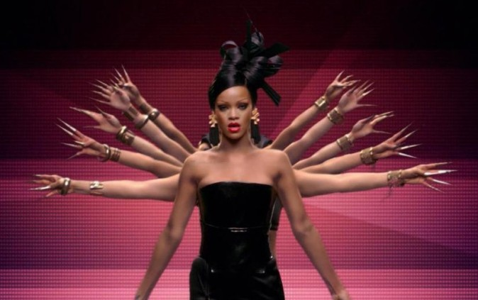 http://cdn-public.ladmedia.fr/var/public/storage/images/news/photos/photos-rihanna-divine-geisha-dans-le-clip-de-princess-of-china-son-duo-avec-coldplay-232987/rihanna-somptueuse-geisha-dans-le-clip-princess-of-china-232989/2448753-1-fre-FR/Rihanna-somptueuse-geisha-dans-le-clip-Princess-of-China_portrait_w674.jpg